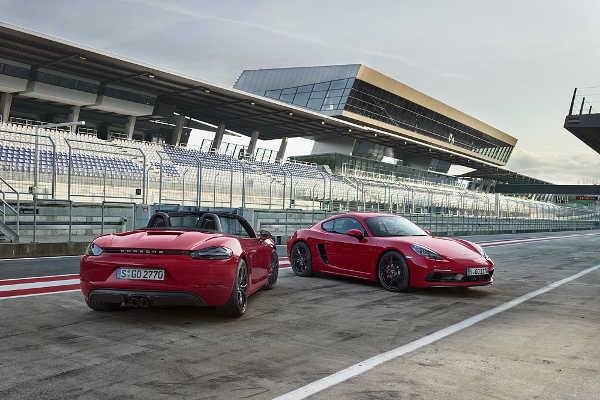 Porsche 718 Cayman GTS & Porsche 718 Boxster GTS